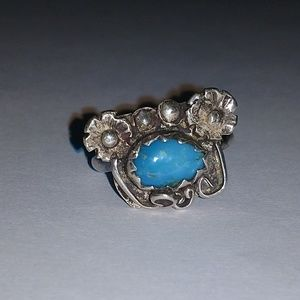 Sterling silver ring w turquoise and flowers 7.5